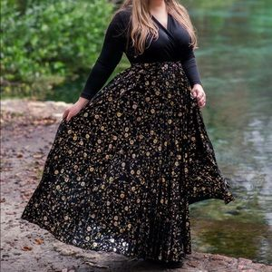 LulaRoe Deanne dress- elegant